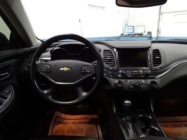 2017 Chevrolet Impala LT w/1LT photo