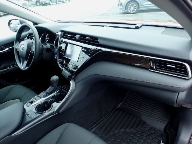 2019 Toyota Camry Hybrid Hybrid LE photo