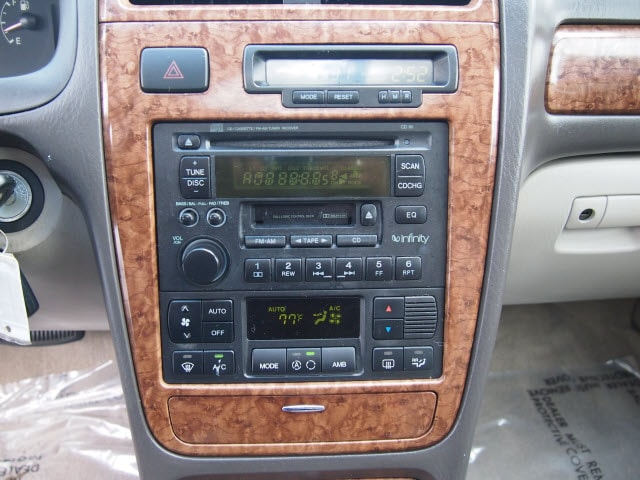 2004 Hyundai XG350 L photo