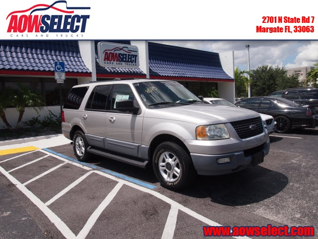 The 2003 Ford Expedition XLT Value photos