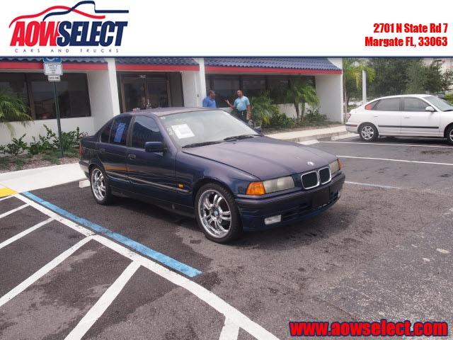 The 1993 BMW 3-Series 325i photos