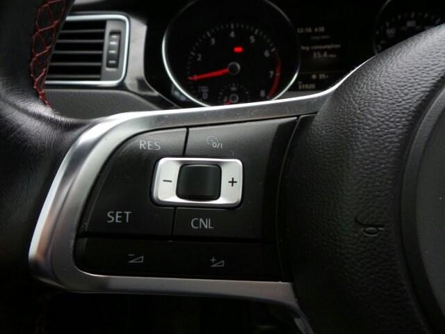 2016 Volkswagen Jetta 2.0T GLI SEL photo