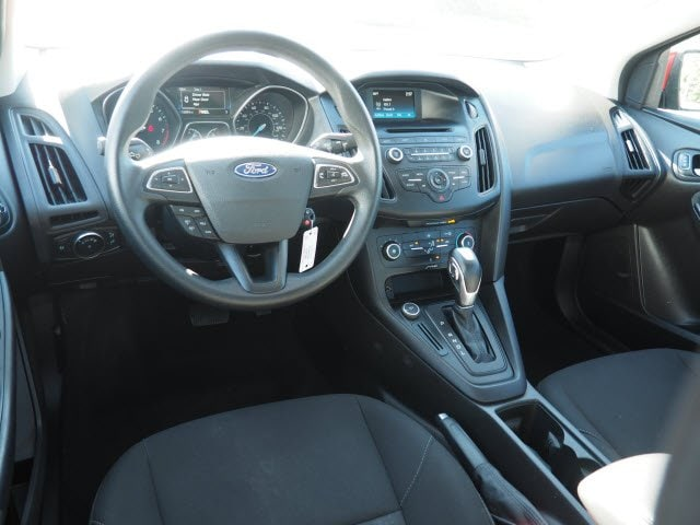 2016 Ford Focus SE photo