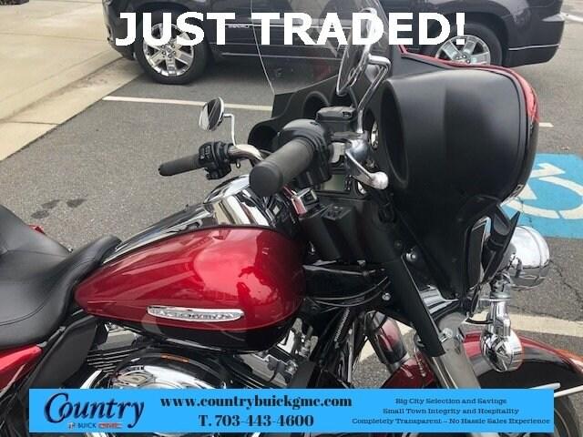 2012 Harley-Davidson  FLHTK photo